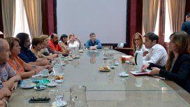 Kicillof recibió a los gremios docentes antes del inicio de la negociación salarial