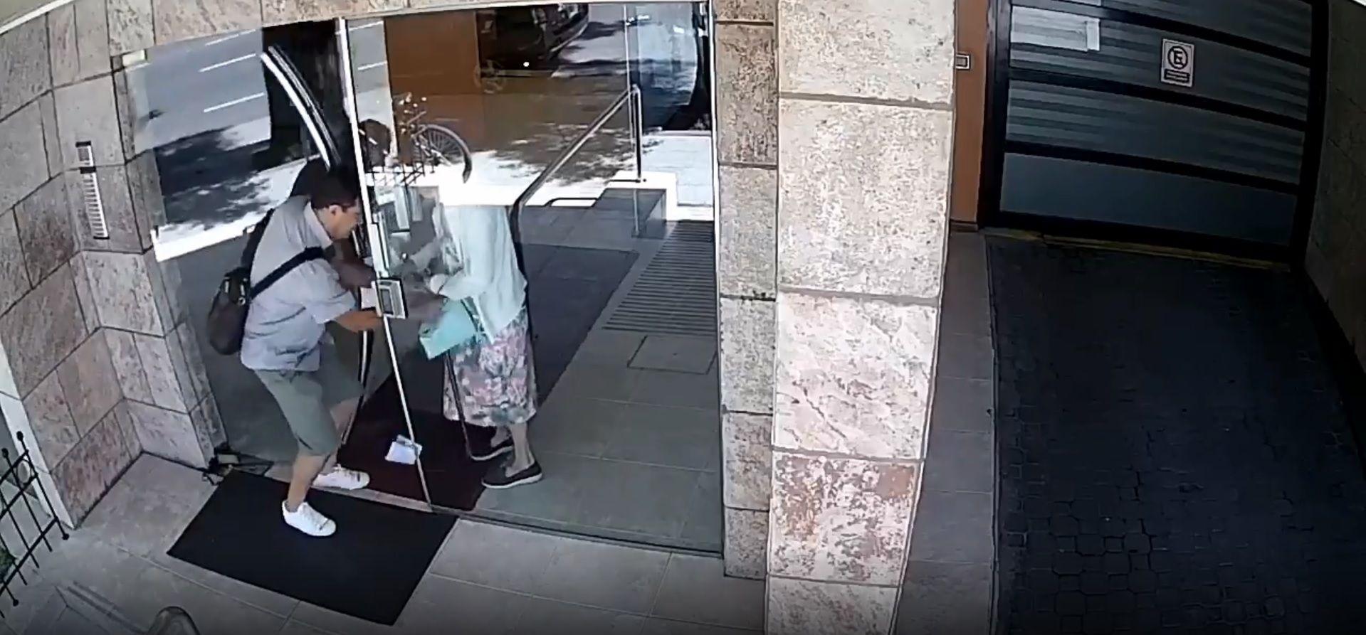 Brutal robo en Almagro: falso cartero engañó a una jubilada y la empujó para robarle