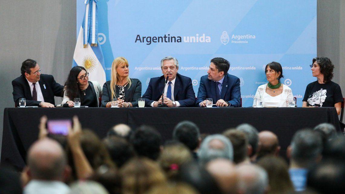 Alberto Fernández puso en marcha otra vez el Plan de Lecturas que desmanteló Macri luego de 30 años