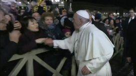 El papa Francisco pidió disculpas por darle una palmada a una mujer: Yo mismo pierdo la paciencia