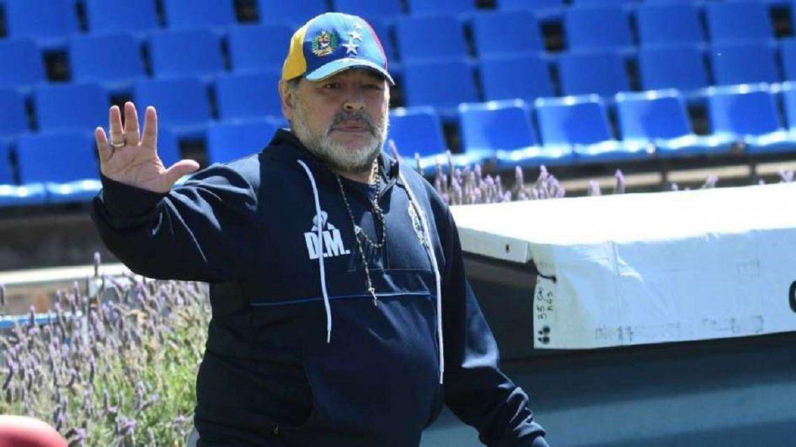 Diego Maradona con la gorra de Venezuela