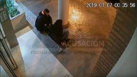 La Justicia difunde un video para dar con un hombre que golpeó y abusó de una mujer