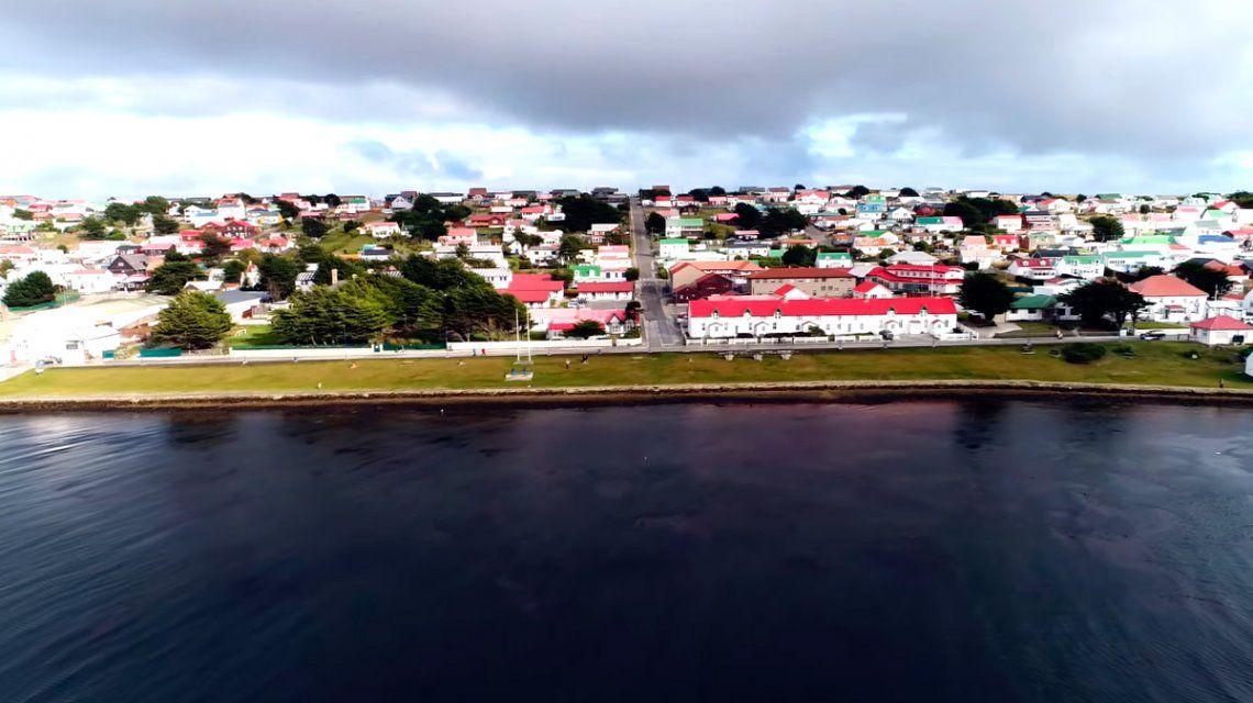La compra de pasajes a las Islas Malvinas no estará alcanzada por el impuesto PAIS
