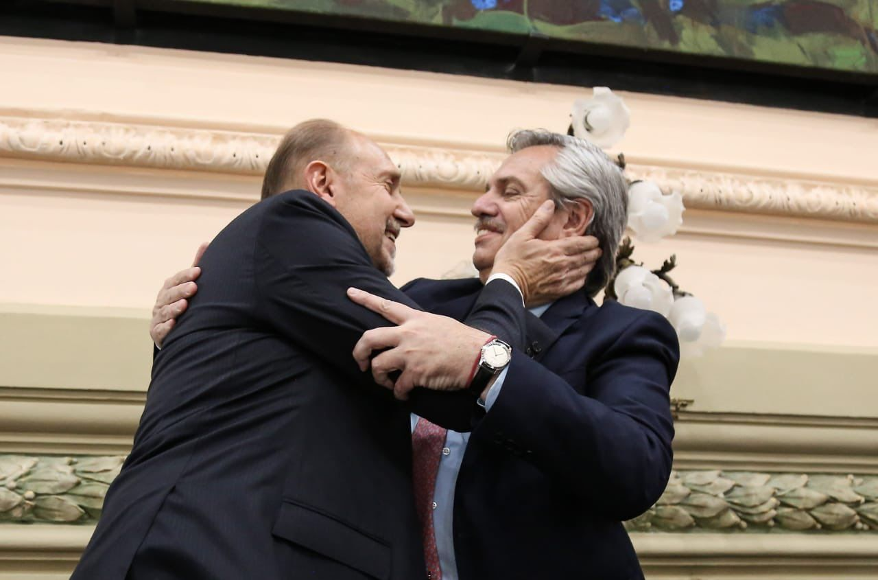 Omar Perotti con Alberto Fernández