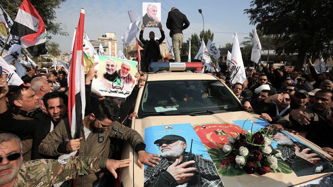 Miles de personas despidieron a Soleimani en Irak