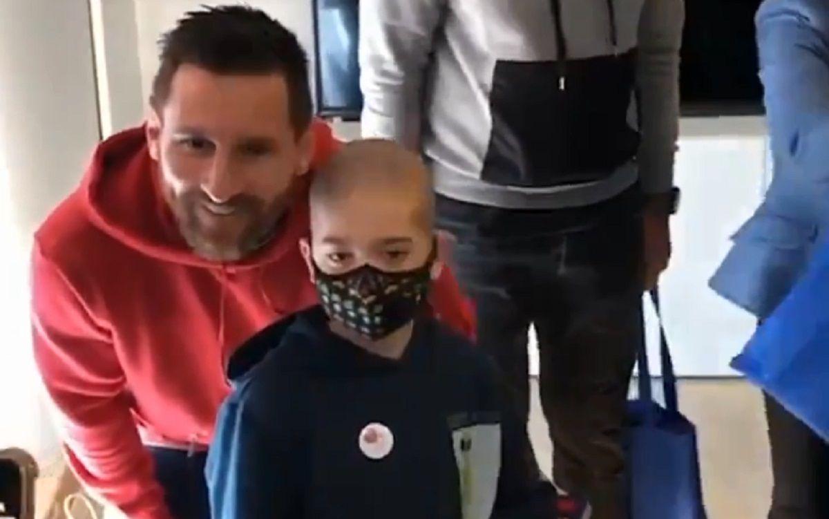 El Rey Mago más esperado: Messi visitó niños enfermos en Barcelona
