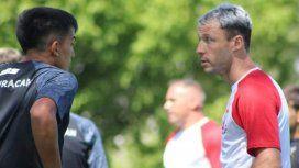 Israel Damonte, el caso más reciente de futbolista que se retira para ser DT