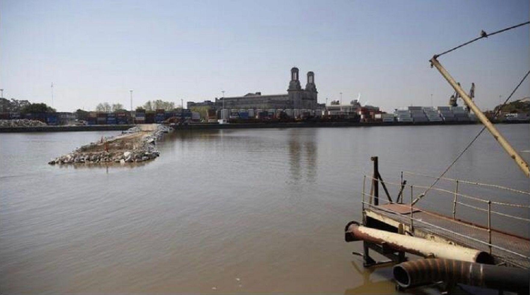 Tragedia en la Costanera: se tiró al río para salvar a su hija y a su esposa y murió ahogado