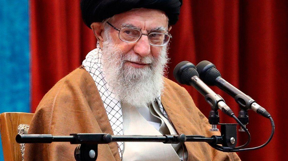 Foto: @Khamenei_Fra