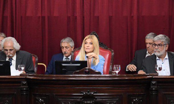 Verónica Magario preside la sesión