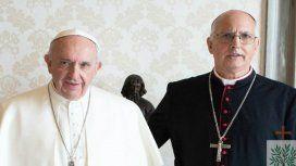 El Papa Francisco junto a Santiago Olivera en el Vaticano. Foto: Obispado Castrense