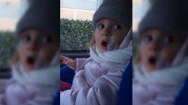 No sono piccolina: el tierno video de una nena cuando su papá la reta por pintarse las uñas