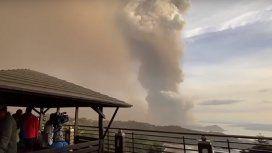 Miles de evacuados en Filipinas por temor a la erupción del volcán Taal