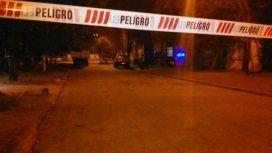 Un hombre de 32 años fue asesinado a balazos en Garibaldi al 300, en barrio Tablada. (Gentileza La Capital)