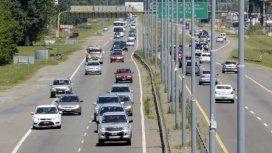 Más de 2300 autos por hora circulan hacia la Costa Atlántica por el recambio turístico