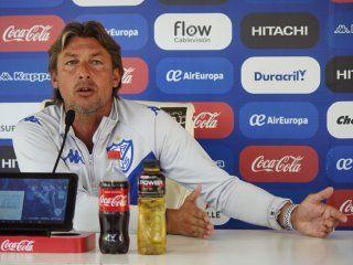 Gabriel Heinze en conferencia de prensa