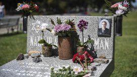 Homenaje a Alberto Nisman en el cementerio de La Tablada. (Gentileza Télam)