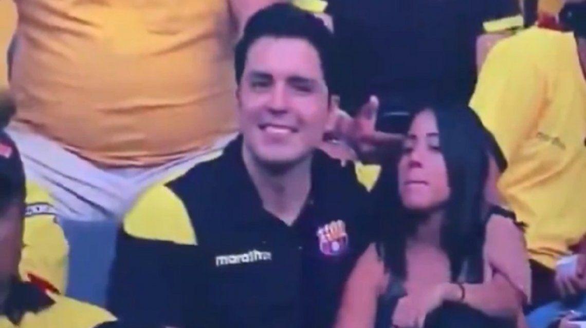 Insólito: captaron una infidelidad en vivo durante un partido de fútbol