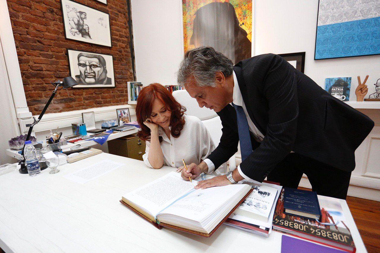 Durán Barba: Cristina es la mujer más brillante de la historia argentina
