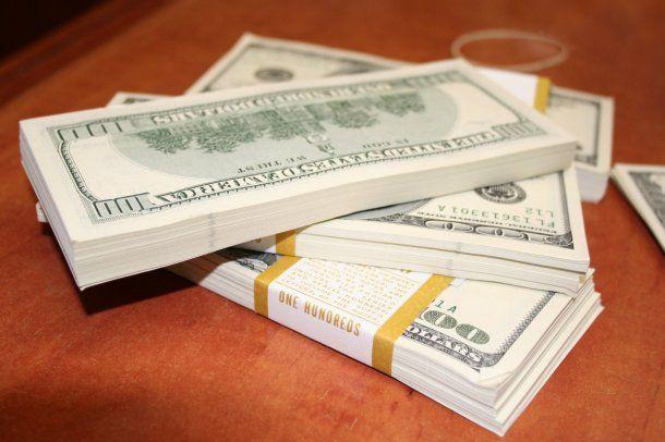 El dólar turista cerró mayo cerca de los $90