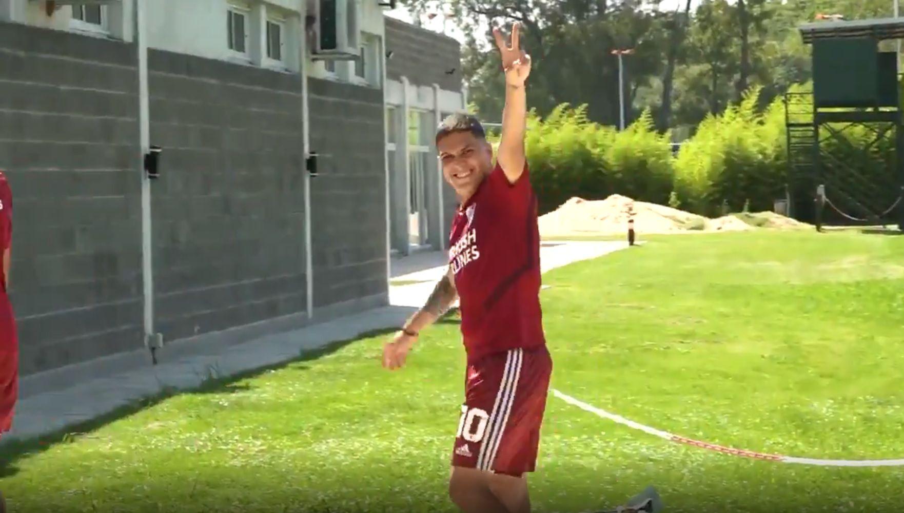 El gol imposible de Juan Fernando Quintero en una práctica que enloquece a los hinchas de River
