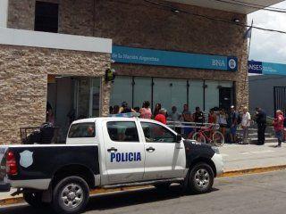 para la bancaria, el asesinato del cajero es consecuencia de la desregulacion de seguridad durante el macrismo