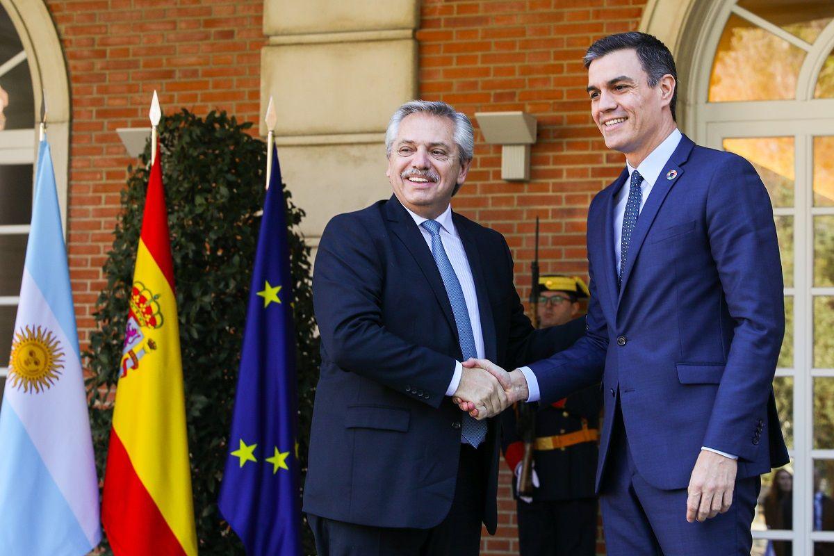 Alberto Fernández se reunió con Pedro Sánchez en España