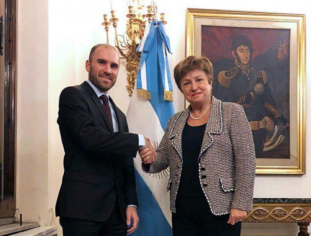 La titular del FMI, Kristalina Georgieva, felicitó a la Argentina por el acuerdo con sus acreedores