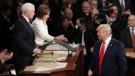 Donald Trump no saludó a su rival Nancy Pelosi y ella le devolvió el gesto