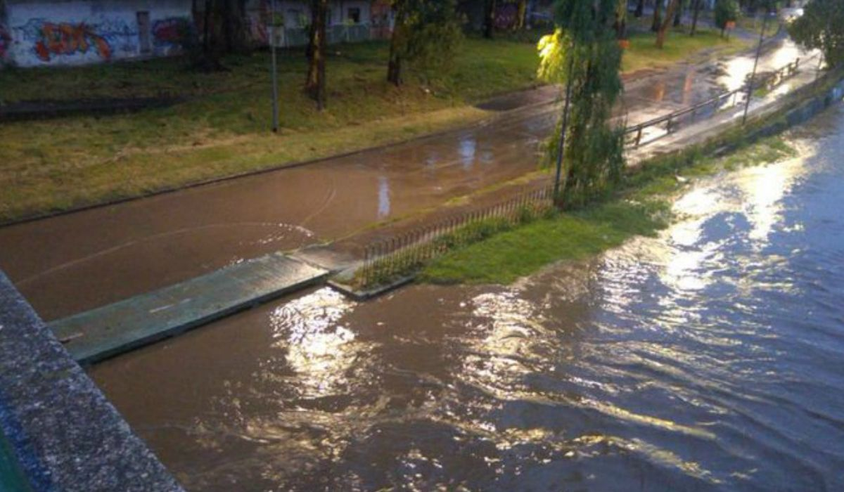 Fuerte temporal en Córdoba: familias evacuadas, cortes de luz y calles anegadas