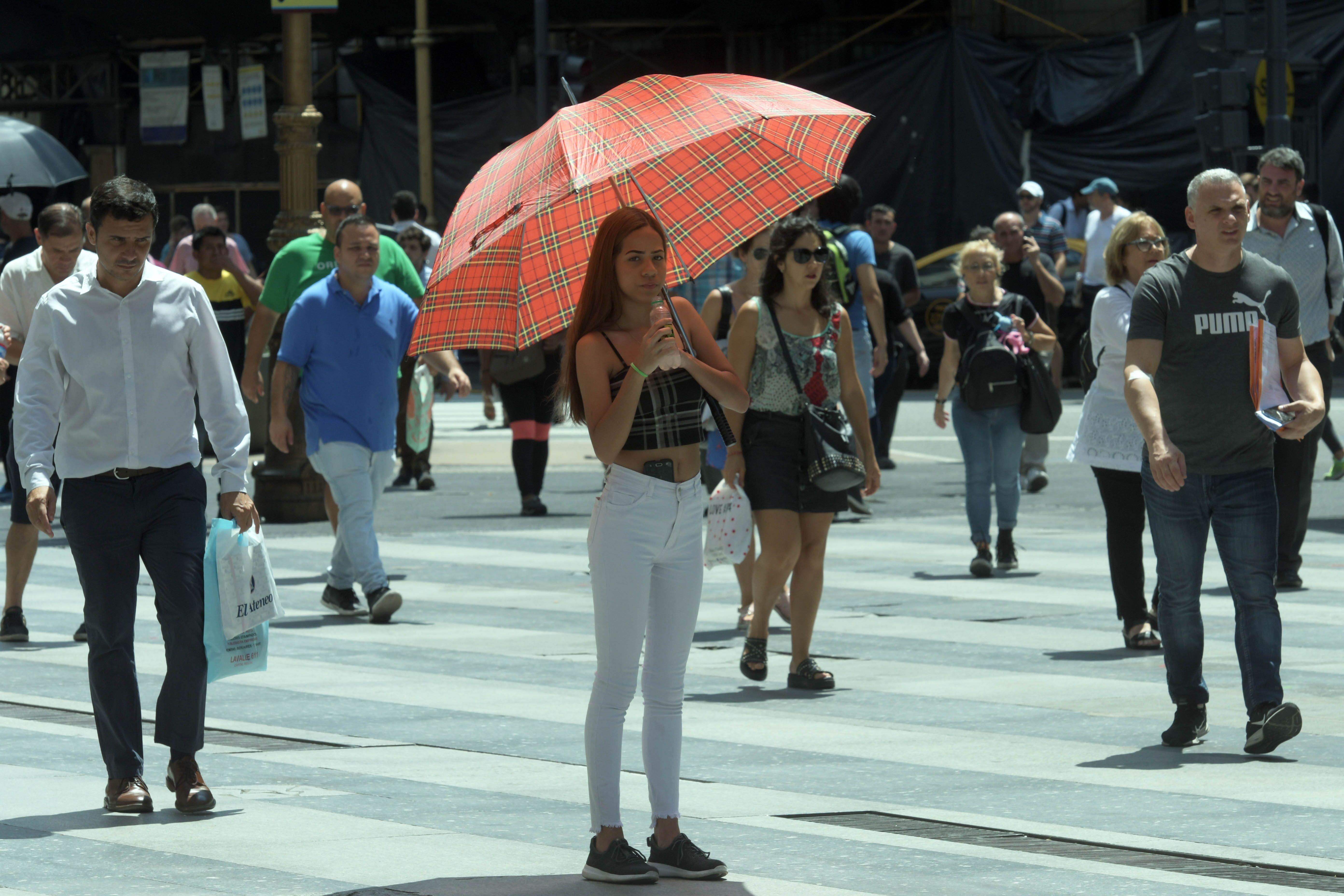 La sensación térmica llegó a los 42 grados en la Ciudad