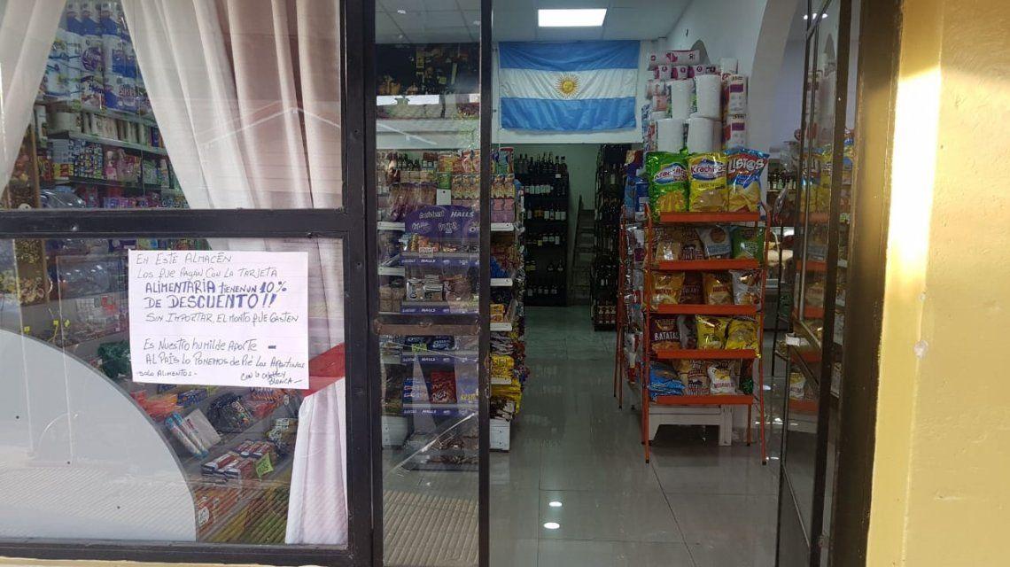 Chiche tiene un almacén y hace un 10% de descuento con tarjeta alimentaria: Hay optimismo