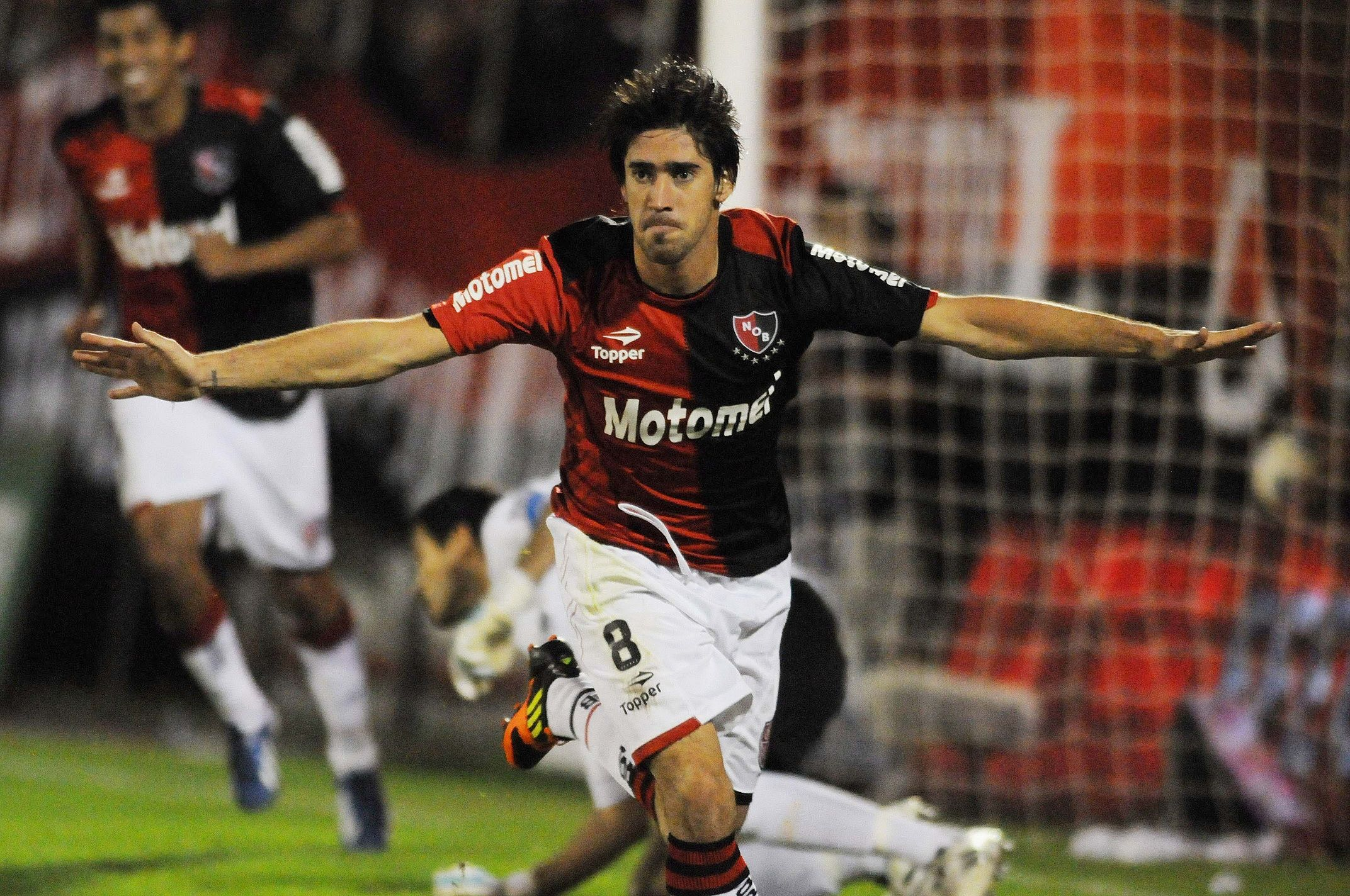 Es oficial: Pablo Pérez deja Independiente y vuelve a Newells