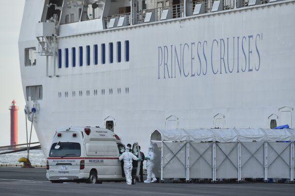 El crucero está varado en el puerto de Yokohama