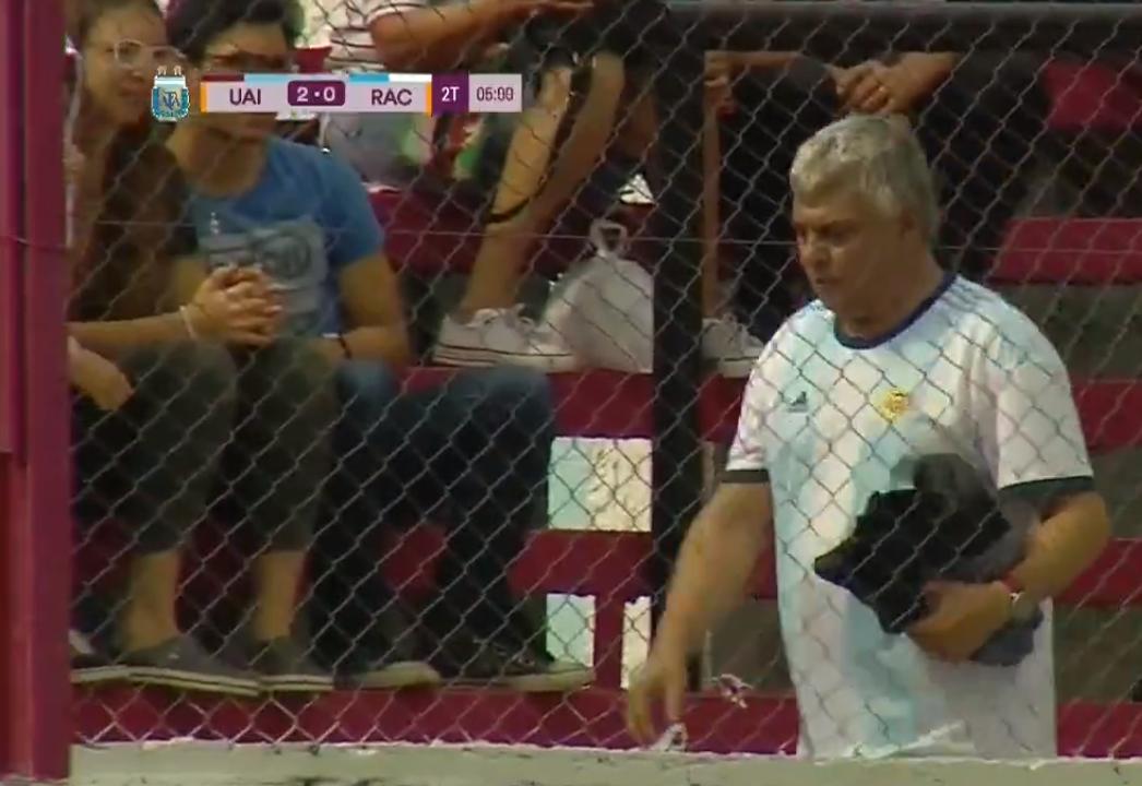Echaron a un hincha en pleno partido de fútbol femenino: es el padre de una jugadora de Racing