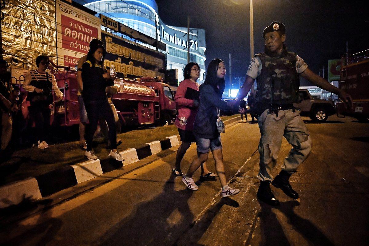 Tailandia: ascienden a 27 los muertos por el ataque de un soldado a un shopping