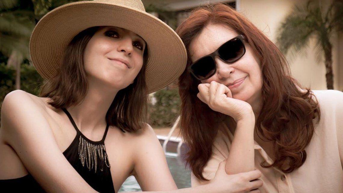 Cristina compartió una imagen con su hija Florencia desde Cuba
