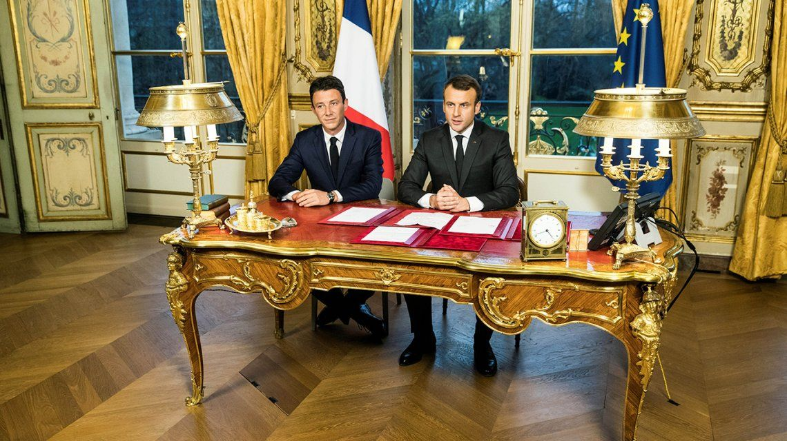 Por un escándalo sexual, el candidato de Macron se bajó de las elecciones de París