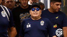 Maradona contra la dirigencia de Boca: No me interesa una plaqueta