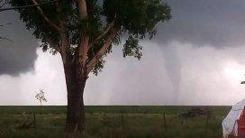 Córdoba: un tornado tiró árboles y causó daños en Las Varillas