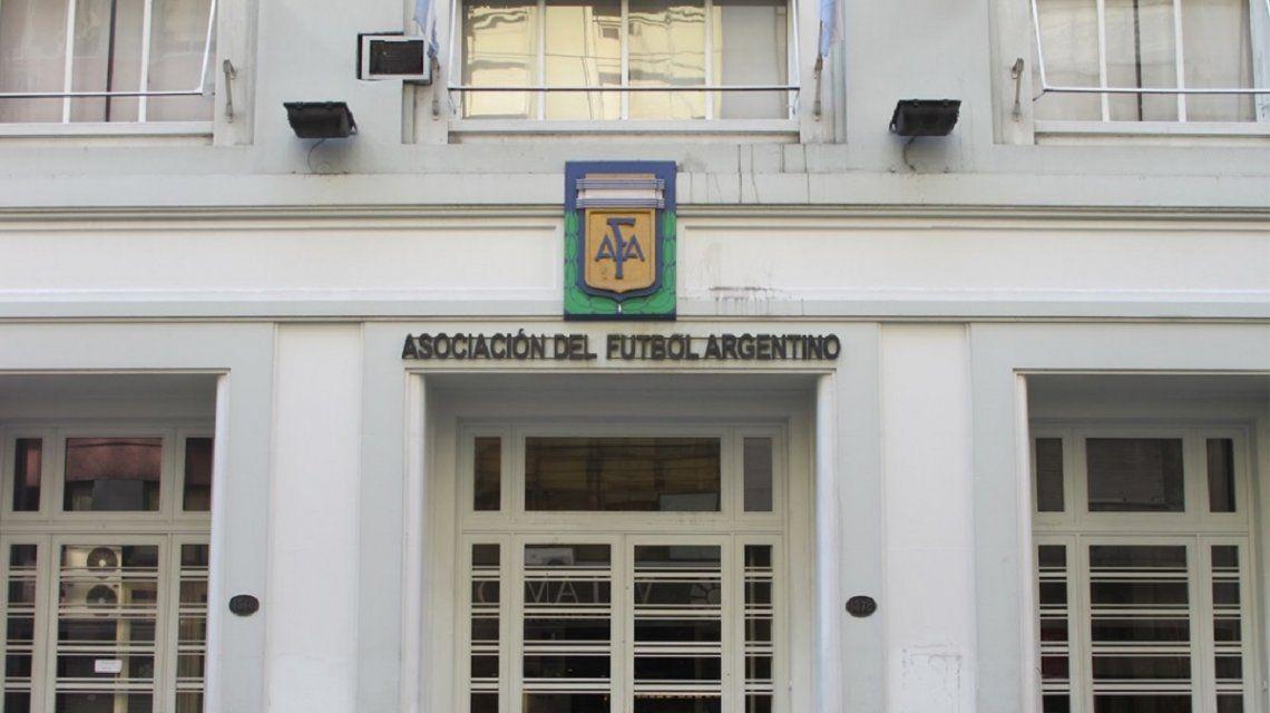Coronavirus en el fútbol: detectaron casos en Boca, River, Independiente, Vélez, Banfield y Tigre
