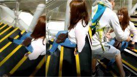 Una discapacitada se arrastró por las escaleras del subte porque no andaban los ascensores
