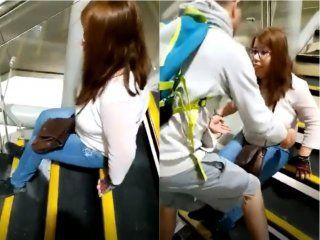 video: una discapacitada debio arrastrarse por las escaleras del subte en chile porque los ascensores no andaban