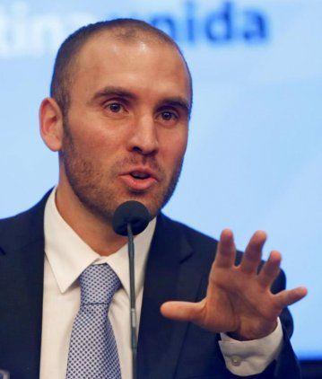 Guzmán se reúne con funcionarios del FMI para avanzar en la renegociación de la deuda