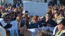 Masiva movilización por el crimen y la violación de Puerto Deseado: cuestionaron al juez