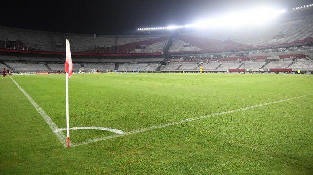 El estadio Monumental durante un partido sin público