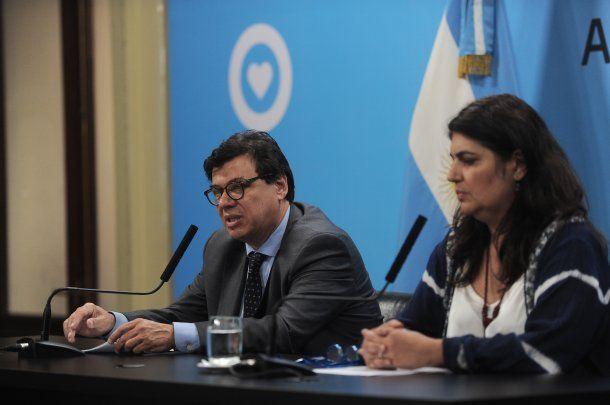 El ministro de Trabajo Claudio Moroni y la secretaria de Gestión y Empleo Ana Castellani