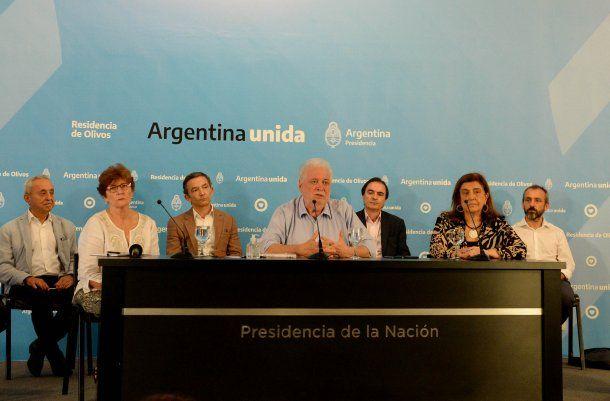 Junto a Pedro Cahn, Ginés González García indicó hace una semana que sugirieron la continuidad de la cuarentena total