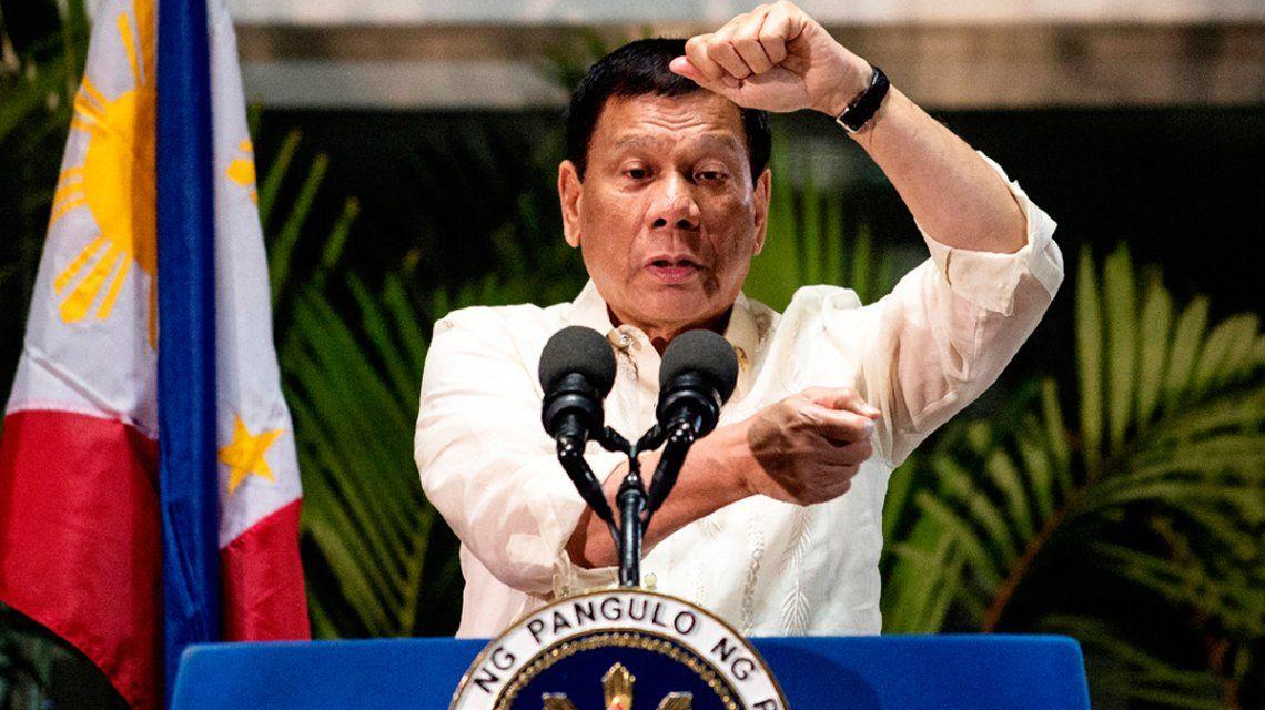 """""""Disparar a matar"""": la orden del presidente de Filipinas a quienes no cumplan la cuarentena"""