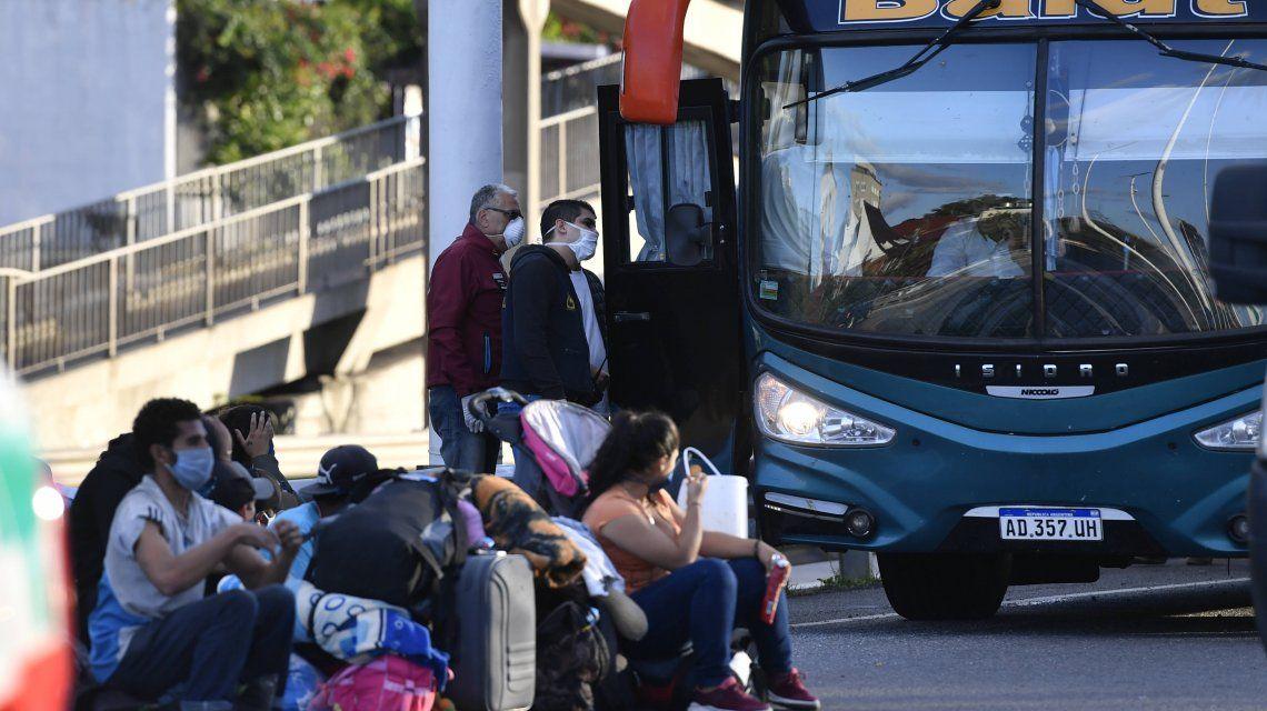 Coronavirus: los pasajeros del micro denunciaron maltratos